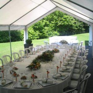 Location table ovale 20 à 24 personnes - Réf : 10007